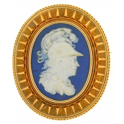34 - <p>A VICTORIAN GOLD BROOCH WITH A JASPER WARE CAMEO OF A CENTURION 3.6 x 3 cm</p><p></p>...