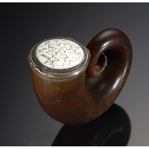 238 - <p>JACOBITE RELIC.  A SCOTTISH SILVER MOUNTED HORN SNUFF MULL, C1740  the lid engraved with crest, h...