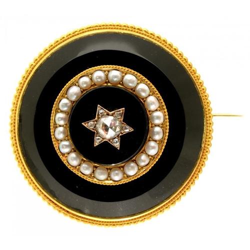 21 - <p>A VICTORIAN DIAMOND, ONYX, SPLIT PEARL AND GOLD BROOCH, C1870</p><p> locket back, 3.4cm diam, 19....