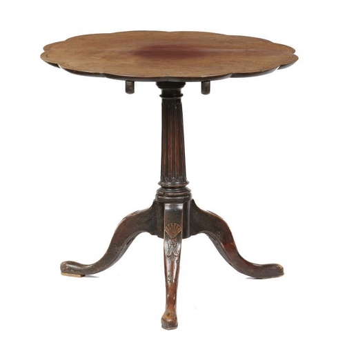 750 - <p>A GEORGE III MAHOGANY TRIPOD TABLE, LATE 18TH C  with associated line inlaid and scalloped tip-up...