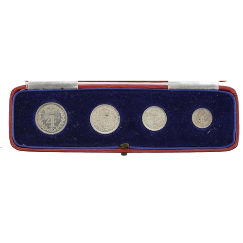 1131 - <p>MAUNDY SET,  GEORGE V, 1936, Presented by Edward VIII, contemporary box,  BU</p>...