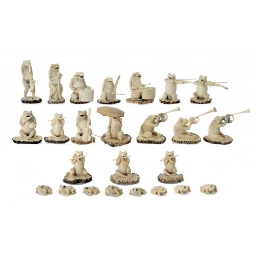 947 - <p>A CARVED ANTLER FROG BAND OF MUSICIANS, PROBABLY GERMAN, EARLY 20TH C  with an 'audiance' of eigh...