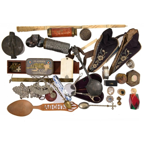 206 - MISCELLANEOUS BYGONES AND OBJECTS, 19TH C AND LATER   to include a part set of brass bucket weights,...