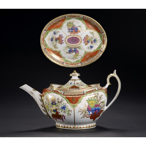 84 - A CHAMBERLAIN WORCESTER DRAGON IN COMPARTMENTS PATTERN OVAL TEAPOT, COVER AND STAND, C1810  18cm h...