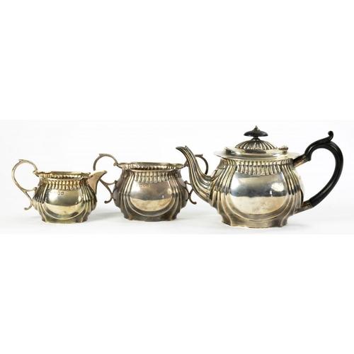 518 - A VICTORIAN SILVER TEA SERVICE   teapot 12.5cm h, by S W Smith & Co, London 1899, 19ozs 5dwts (3)...