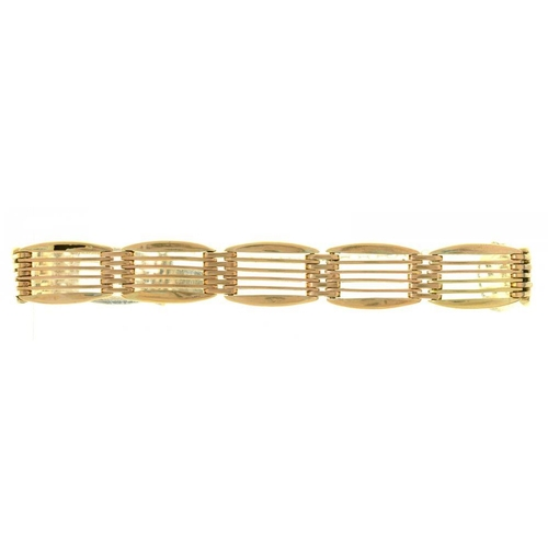 18 - <p>A GOLD GATE BRACELET, MARKED 9CT, 17.5G</p><p></p>...