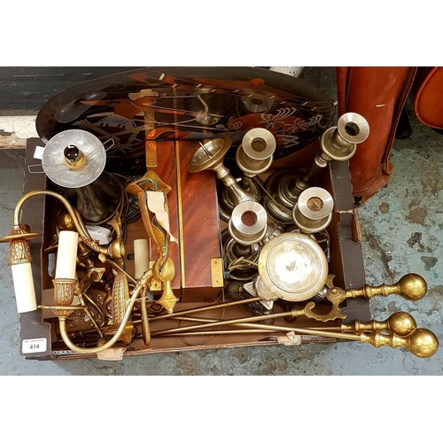 414 - <p>MISCELLANEOUS BRASS AND OTHER METALWARE, INCLUDING FIRE IRONS, ETC</p>...