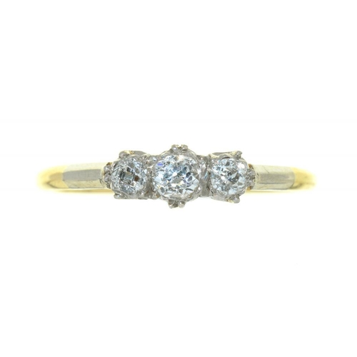 18 - <p>AN EDWARDIAN OLD CUT DIAMOND RING, MARKED 18CT AND PLAT, 1.5G, SIZE P</p><p></p>...