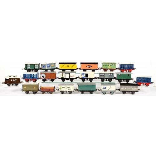 489 - <p>TWENTY O-GAUGE RAILWAY WAGONS</p>...