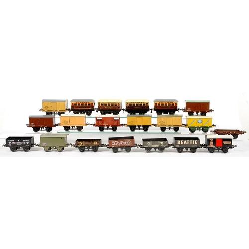 505 - <p>TWENTY O-GAUGE RAILWAY VANS AND OPEN WAGONS </p>...