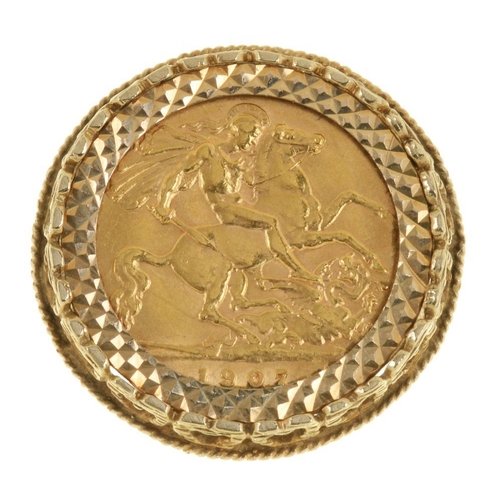10 - <p> GOLD COIN. HALF SOVEREIGN, 1907, IN GOLD RING MOUNT, 8.5G</p><p></p>...