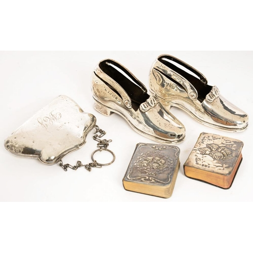 152 - <p>A GEORGE V SILVER PURSE, 9.5 X 7 CM, BIRMINGHAM 1911, A PAIR OF VICTORIAN SILVER NOVELTY SHOES, 1...
