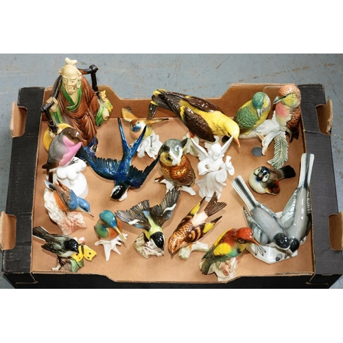 227 - <p>A COLLECTION OF KARL ENS AND OTHER PORCELAIN MODELS OF BIRDS AND A CHINESE SANCAI STYLE FIGURE OF...