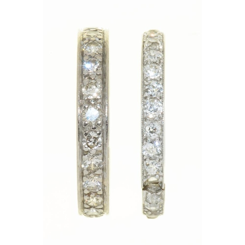 25 - <p>AN OLD CUT DIAMOND ETERNITY RING IN PLATINUM, SIZE S, AND A DIAMOND ETERNITY RING IN PLATINUM, SI...