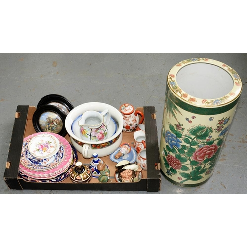 275 - <p>MISCELLANEOUS ORNAMENTAL CERAMICS, TO INCLUDE ROYAL CROWN DERBY, ROYAL DOULTON, KUTANI AND F&R PR...