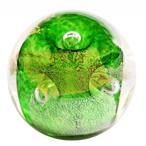 283 - <p>MICHAEL JAMES HUNTER TWISTS GLASS AVENTURINE GREEN BUBBLE  PAPERWEIGHT, 6CM DIAM, SIGNED</p>...