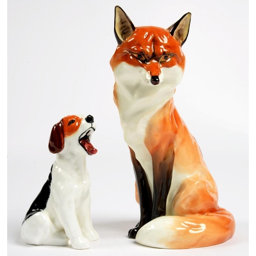 287 - <p>A ROYAL WORCESTER FOX AND A ROYAL DOULTON FOX HOUND, 19 AND 11CM H, BLACK OR GREEN PRINTED MARKS ...