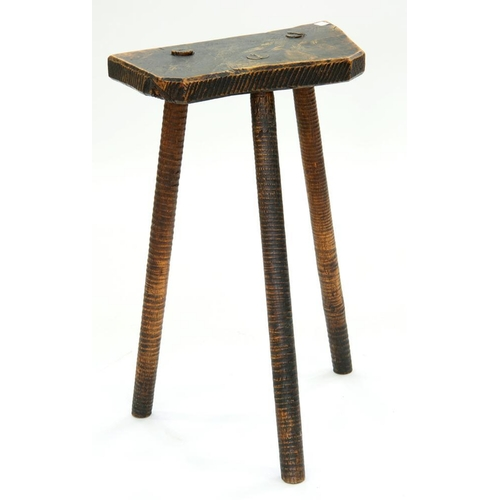 532 - <p>A 19TH C STAINED ASH 'CUTLERS' STOOL ON TURNED LEGS, 39CM L</p>...