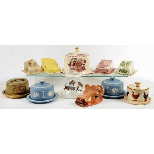 189 - <p>A COLLECTION OF WEDGWOOD JASPER WARE AND OTHER POTTERY, CHEESE DISHES AND COVERS AND A DECORATIVE...