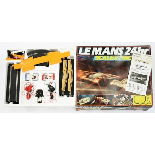 406 - <p>SCALEXTRIC. LE MANS 24 HOUR, BOXED WITH INSTRUCTIONS </p>...