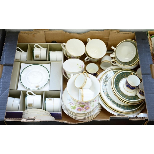 277 - <p>A ROYAL DOULTON BONE CHINA PASSION FLOWER PATTERN TEA SERVICE AND MISCELLANEOUS OTHER TEA AND COF...