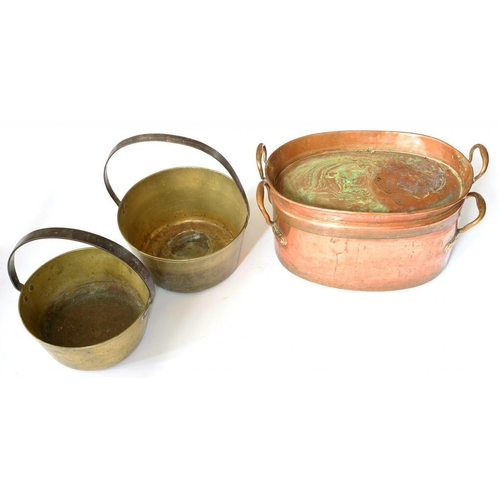 383 - <p>A VICTORIAN OVAL COPPER PAN AND TWO HANDLED LID, 47CM W AND TWO BRASS JAM PANS </p>...