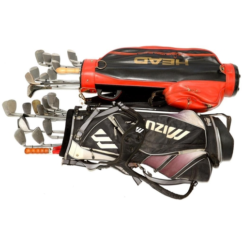 419 - <p>TWO SETS OF GOLF CLUBS AND TWO GOLF BAGS </p>...