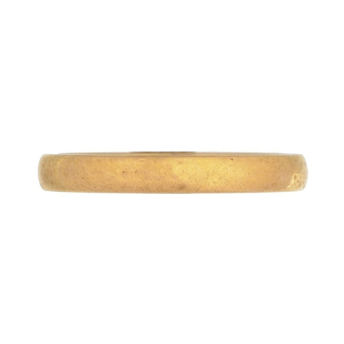 19 - A 22CT GOLD WEDDING RING, 5.2G