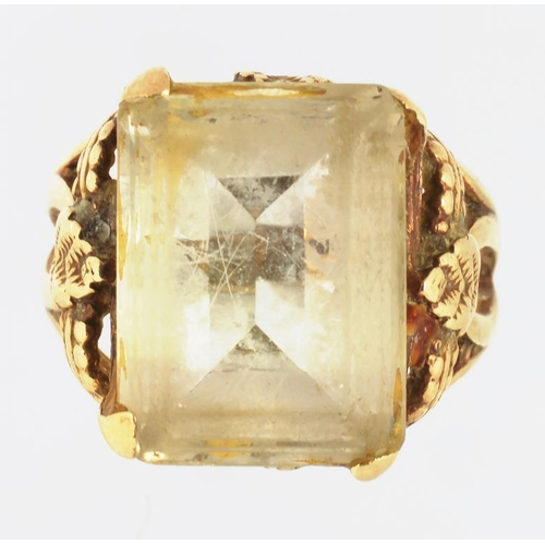 20 - A GEM SET RING IN GOLD, MARKED 9CT, 7.3G