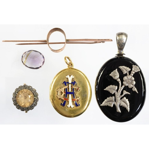 29 - <p>A VICTORIAN GOLD LOCKET, THE FRONT APPLIED WITH GOLD AND ENAMEL MONOGRAM (DAMAGED), A VICTORIAN S...
