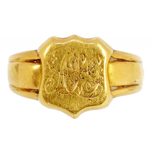 7 - <p>AN 18CT GOLD SIGNET RING, CHESTER, DATE LETTER RUBBED, PROBABLY 1868, 4.4G, SIZE M�</p>...