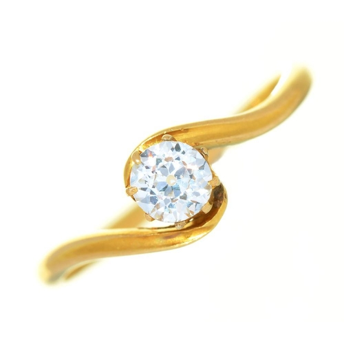 15 - <p>AN OLD CUT DIAMOND SOLITAIRE TWIST RING IN GOLD MARKED 18CT, 1.5G, SIZE L</p><p></p>...