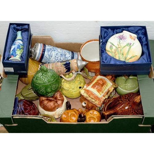 288 - <p>MISCELLANEOUS DECORATIVE POTTERY, TO INCLUDE TWO BOXED MOORCROFT STYLE VASES </p>...