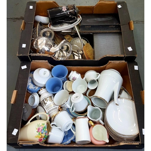 306 - <p>MISCELLANEOUS CERAMICS, PLATED AND OTHER METALWARE</p>...