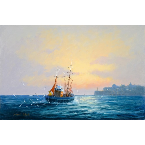 568 - <p>TO BE SOLD ON BEHALF OF CHARITY. DAVID SHORT - SEASCAPES, THREE, OIL ON BOARD, 30 X 46CM AND SMAL...