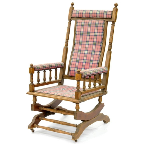 627 - <p>AN AMERICAN TURNED BEECH ROCKING CHAIR, EARLY 20TH C AND A STAINED AND TURNED BEECH AMERICAN ROCK...