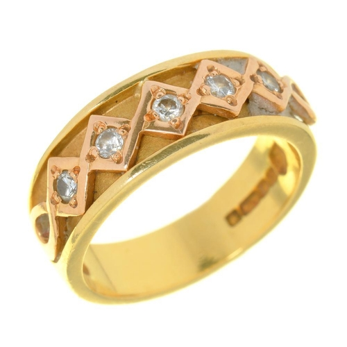 10A - <p>WELSH GOLD.  AN 18CT GOLD RING SET WITH A LINE OF FIVE DIAMONDS, MAKER CD, St ABOVE, DRAGON MARK,...
