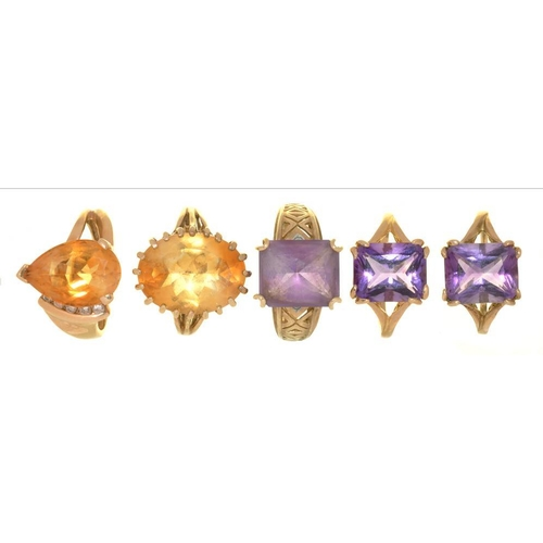 14 - <p>THREE AMETHYST RINGS IN 9CT GOLD AND TWO CITRINE RINGS IN 9CT GOLD, 18.5G, SIZE K - N</p><p></p>...