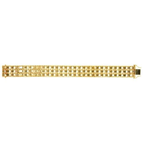 37 - <p>A GOLD BRACELET MARKED 14K, 54.5G</p><p></p>...