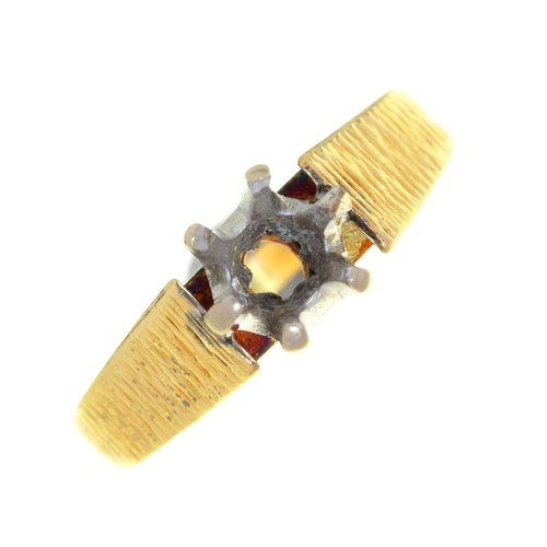 29 - AN 18CT GOLD RING MOUNT, 3G, SIZE I...