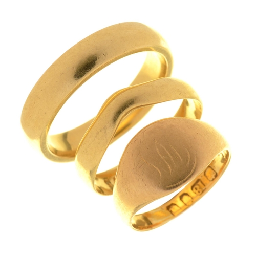 3 - TWO 18CT GOLD RINGS, COMPRISING WEDDING RING AND SIGNET RING, SIZE T AND K, 14.5G, AND ANTHER GOLD S...