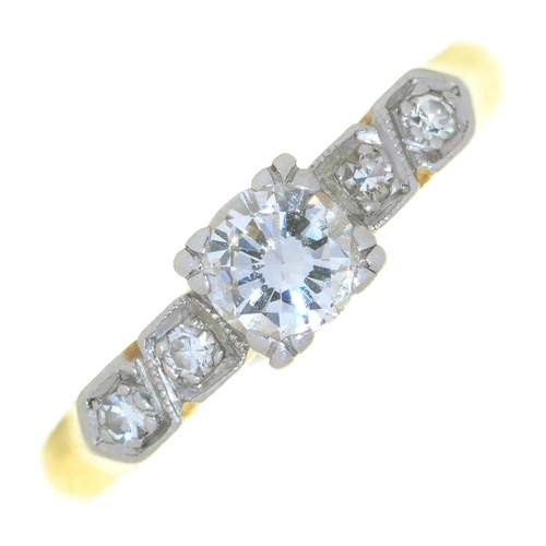54 - AN EDWARDIAN DIAMOND RING IN GOLD MARKED 18CT PLAT, 3G, SIZE M½...