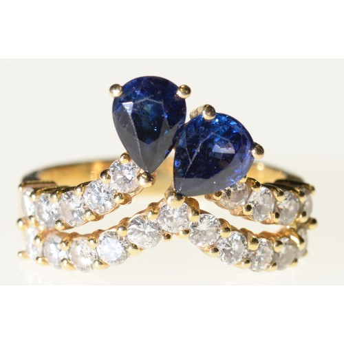 32 - <strong>A SAPPHIRE AND DIAMOND DART RING </strong> in gold, marked 18k, 6.5g, size N½...