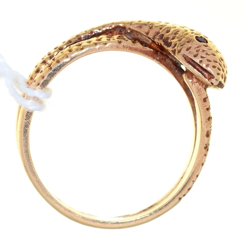 23 - A 9CT GOLD SNAKE RING WITH GARNET EYES, BIRMINGHAM 1968, 6.3G, SIZE R...