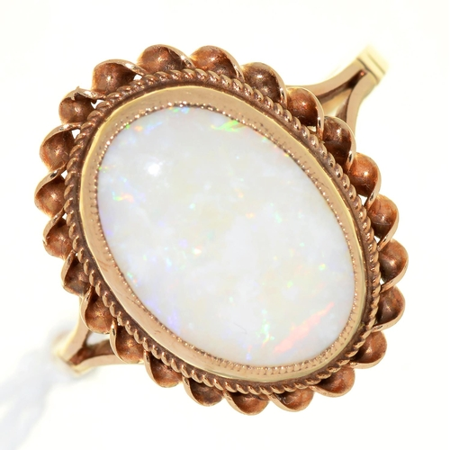 33 - AN OPAL RING, IN 9CT GOLD, 3.3G, SIZE L½...