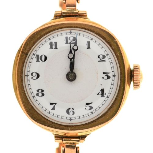 44 - A SWISS 9CT GOLD CUSHION SHAPED LADIES WRISTWATCH, 26 X 26MM, ON EXPANDING BRACELET MARKED BRITANNIC...