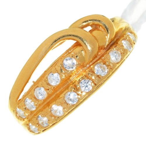 49 - A WHITE STONE SET 22CT GOLD RING, LONDON, PROBABLY 1997, 4.1G, SIZE N...