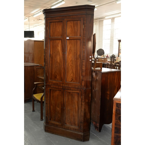 829 - A GEORGE III MAHOGANY STANDING CORNER CUPBOARD, LATE 18TH C, WITH CAVETTO CORNICE AND FITTED THROUGH...