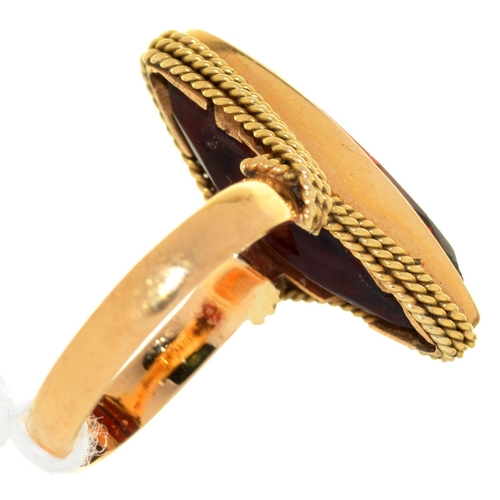 1 - A NAVETTE SHAPED RED PASTE RING, 20TH C, IN GOLD, INDISTINCT FOREIGN CONTROL MARK, 5.6G, SIZE K...