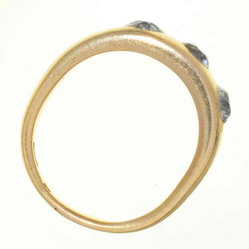 108 - A DIAMOND THREE STONE RING, C1900, IN GOLD MARKED 18, 7.9G...